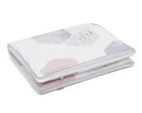 Kinderbettwäsche Hexagon pastellfarben auf weiß in 90x120 cm und 100x135 cm