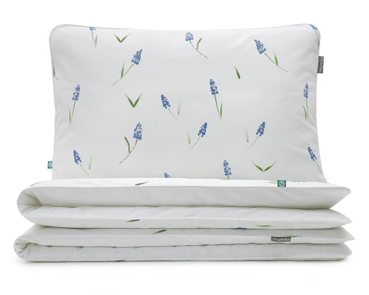 Florale Bettwäsche Mit Blauen Bauernbübchen Muscari