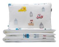 Cars Kinderbettwäsche mit bunten Autos und lustigen Motiven auf weiß aus hochwertiger Baumwolle