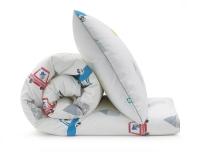 Bedruckte Baumwoll-Kinderbettwäsche mit bunten Autos und lustigen Motiven auf weiß