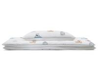 Schöne Kinderbettwäsche mit bunten Autos und lustigen Motiven auf weiß aus zertifizierter Baumwolle