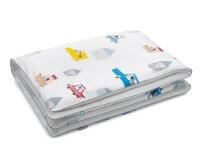 Baumwoll-Bettwäsche mit bunten Autos und lustigen Motiven auf klassischem weiß