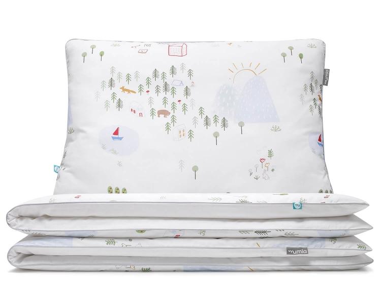 Natur Kinderbettwäsche mit bunten Landschaftsmotiven auf weiß aus hochwertiger Baumwolle