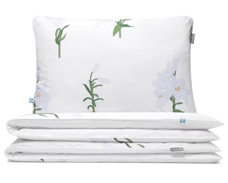 Florale Kinderbettwäsche Blumen mit weißen Lilien auf weiß aus hochwertiger Baumwolle