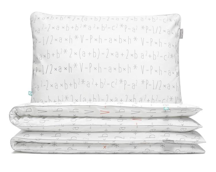 Knifflige Kinderbettwäsche mit mathematische Formeln auf weiß aus hochwertiger Baumwolle