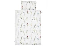 Schöne Kinderbettwäsche mit gemalten Wildblumen auf weiß aus zertifizierter Baumwolle