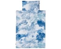 Moderne Kinderbettwäsche mit verspielter Aquarellmalerei mit blauen Farbverläufen auf weiß aus zertifizierter Baumwolle