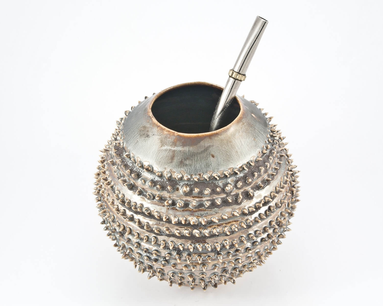 handgemachter kalebasse mate tee becher spiky metallic. Black Bedroom Furniture Sets. Home Design Ideas