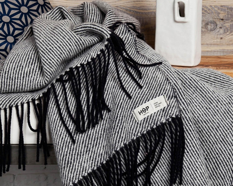 Wolldecke Schwarz Ruru Aus Neuseelandischer Schurwolle