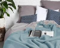 Einfargige Wolldecke pastelblau Yeti aus neuseeländischer Schurwolle