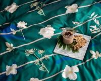 Frühstück im Bett in botanischer Garten Bettwäsche bei Nacht