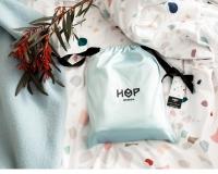 Neue Kinderbettwäsche von HOP Design Terrazzo Design im Stoffbeutel