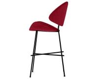 Niedriger Hocker rot Cheri Bar low auf schwarzem Fußgestell von Iker