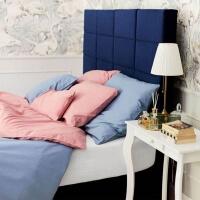 Modernes Schlafzimmer mit weicher Mumla Bettwäsche in hellblau