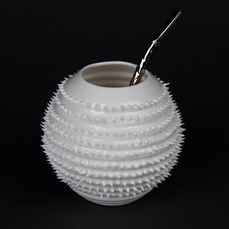 Kina Ceramics Yerba Mate Tee Becher Spiky weiß aus edlem Porzellan mit Bombilla Strohhalm