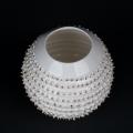 Porzellan Mate Tee Becher Spiky weiß mit echtem Gold von Kina Ceramics