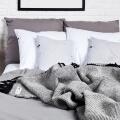 HOP Design RuRu Kuscheldecke neuseeländische Schafwolle schwarz weiß