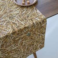 Stroh Optik Tischläufer von Foonka
