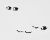 Baumwoll-Kinderbettwäsche schwarze Augen auf klassischem weiß