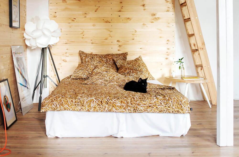 Sogar Katzen spüren das Gefühl der Landluft mit der aufregenden Stroh-Bettwäsche